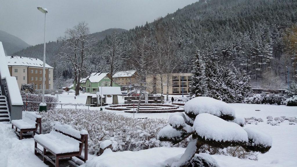Exteriér hotela Choč zima
